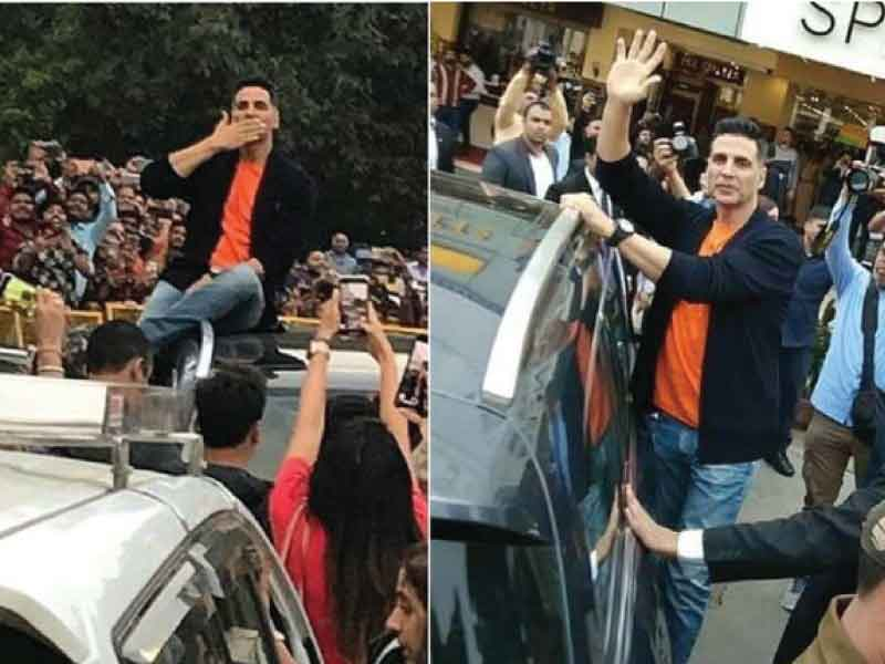 Watch fans go berserk as Akshay Kumar promotes 'Kesari' in Delhi