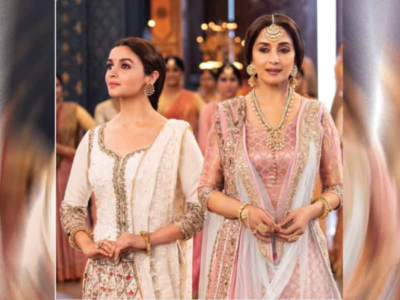 'Kalank'  song 'Ghar More Pardesiya' out: Alia Bhatt and Madhuri Dixit's graceful combo
