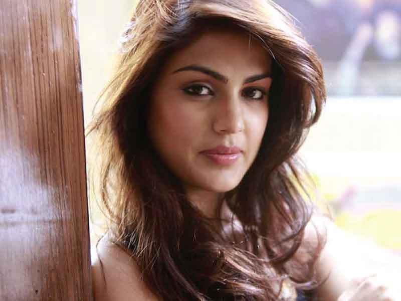 'Rhea Chakraborty didn't name any actor,' says lawyer
