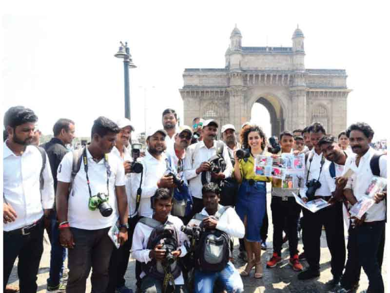 Sanya Malhotra gets candid in Gateway of India with real-life photographers
