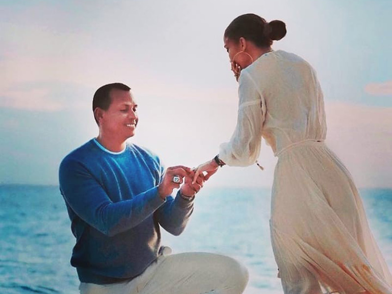 Jennifer Lopez and Alex Rodriguez are officially engaged.