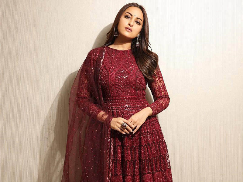 All the outfits that Sonakshi Sinha wore for the promotional events of Kalank